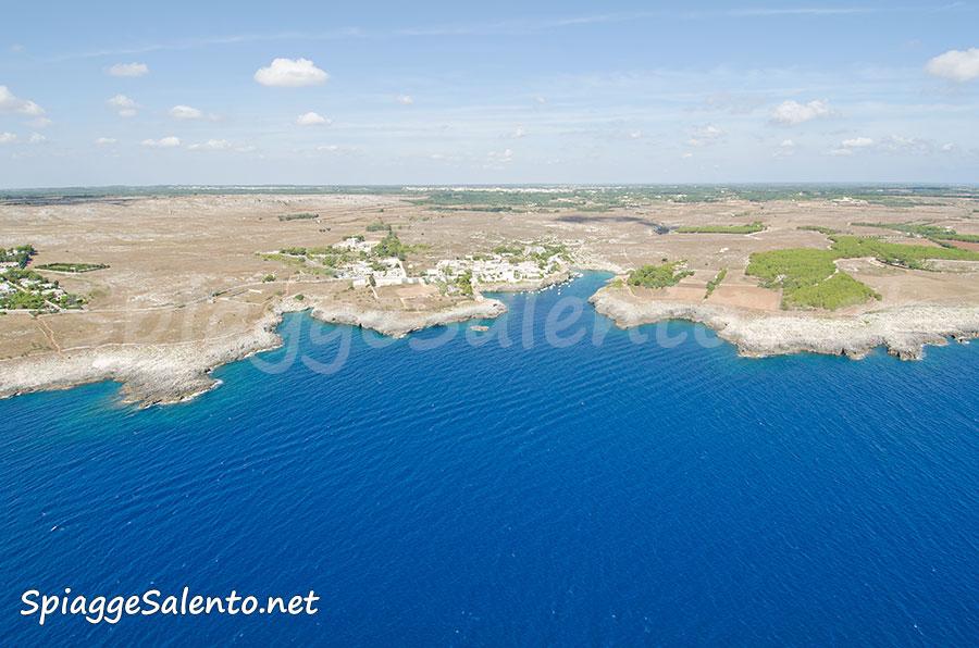 Porto Badisco visto dal mare nel Salento